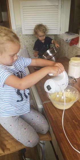 Matilda making yummy cakes⭐️