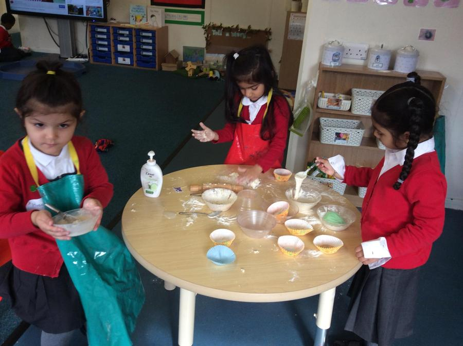 and we enjoyed imaginative play and explored different textures!