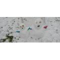 THE SMALLEST PAIR : Thomas - Snowmen