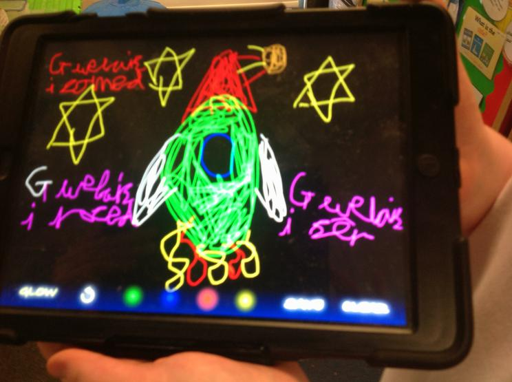 Using Glo Doodle to practise our Welsh