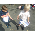 Autumn leaf hunt in French