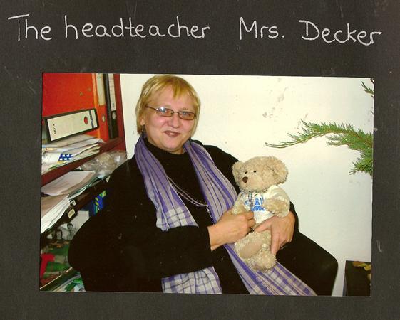 Frau Decker teaching German to Pedr bear.