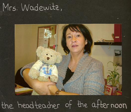 Frau Wadewitz gives Pedr Bear a 'Cwtch'