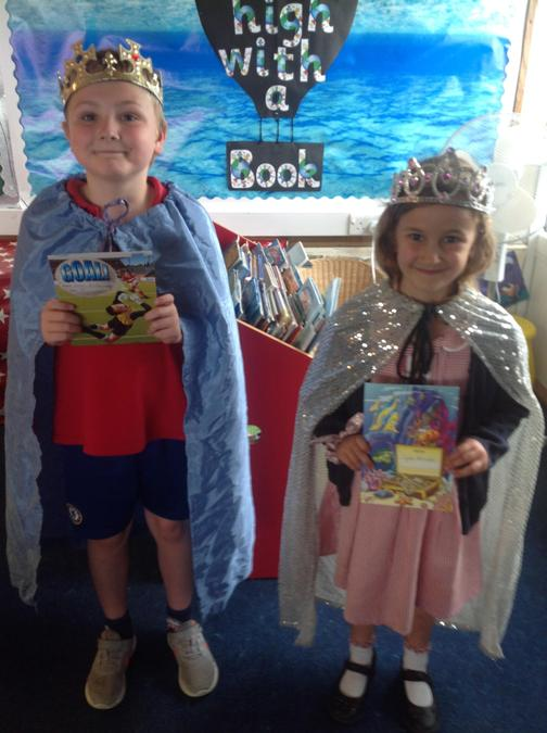 Noah and Lyla have finished their sticker charts and get to be king and queen!