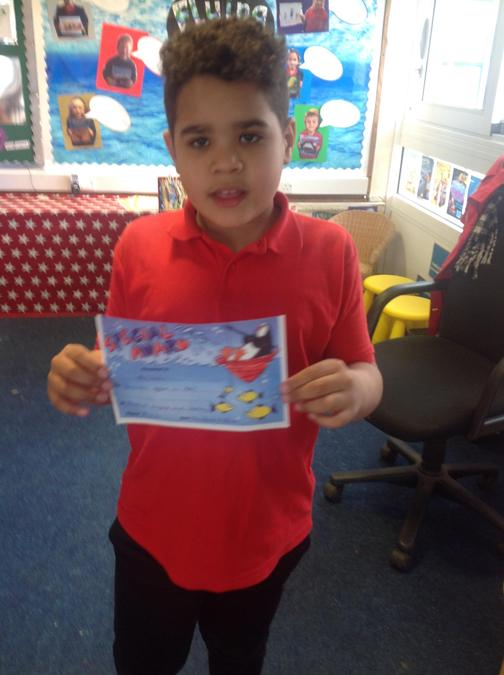 Ali'zah worked brilliantly in Art and made his own fab Australian Aboriginal painting!