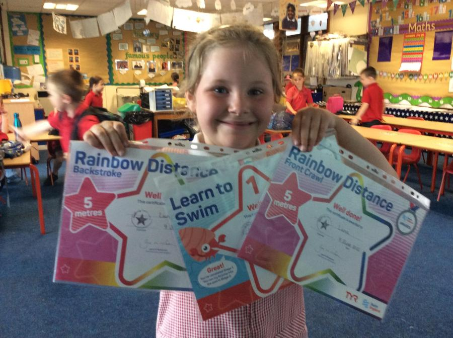 Well done to Luna for her backstroke and front crawl 5 metres in swimming.