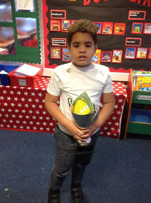 Well done for being more independent this week Ali'zah! We are really proud of you