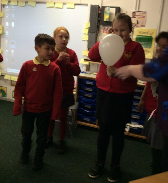 Seeds in the balloon were like a bursting flower.