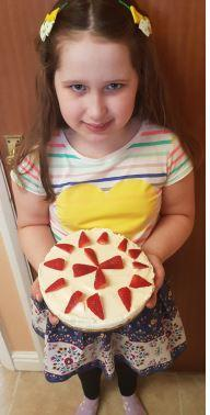 For her dad's birthday Sophie made a cheesecake!