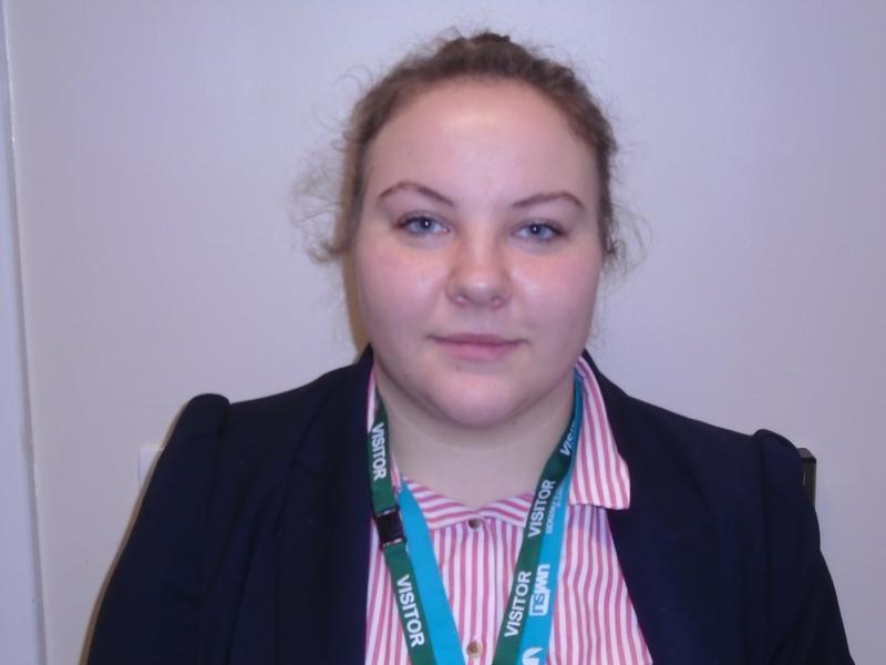 Gabriela Dragomir - Student Social Worker