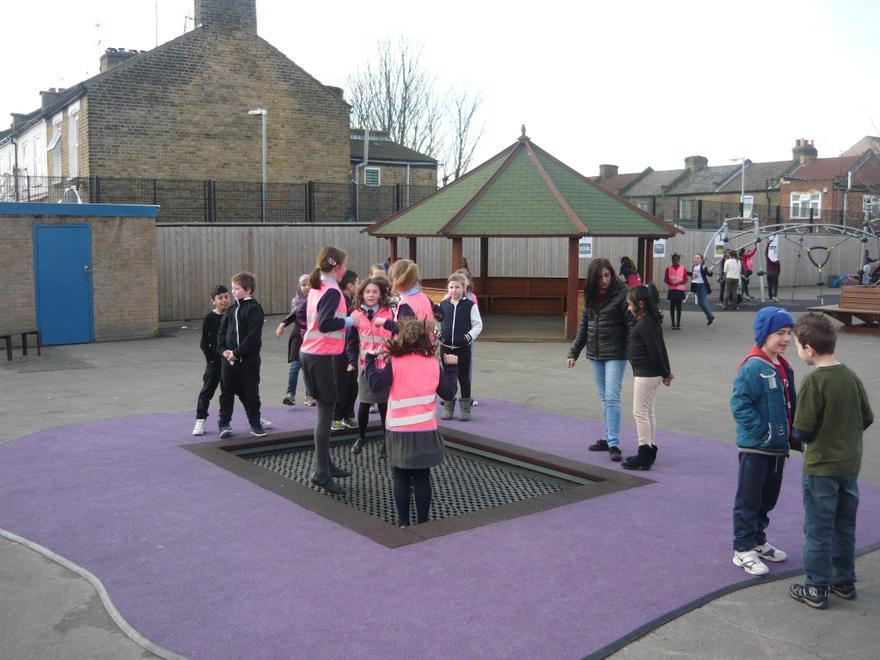 Link to Ravenscroft School in East London