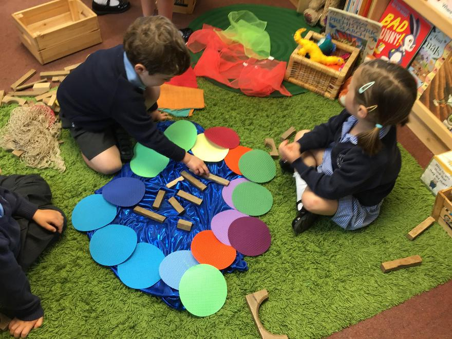 Creative construction with loose parts