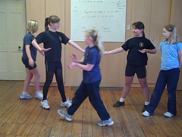 PE-Chinese dance