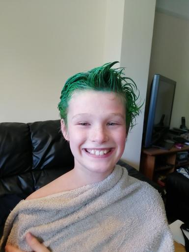 Leo's green hair