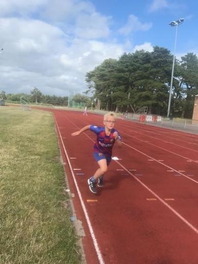 Albert sprinting away!