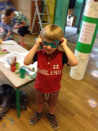 Arthur's super sunglasses!