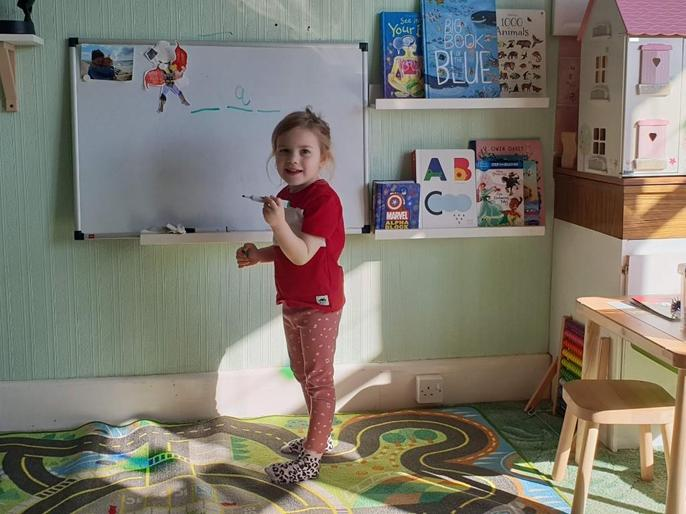 Scarlet being a teacher!