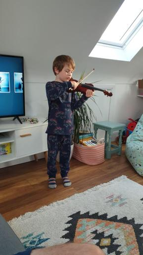 Willem on the violin!