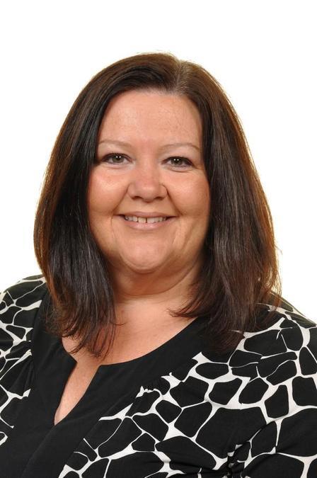 Mrs. E. Evans (Teacher - Yr5)