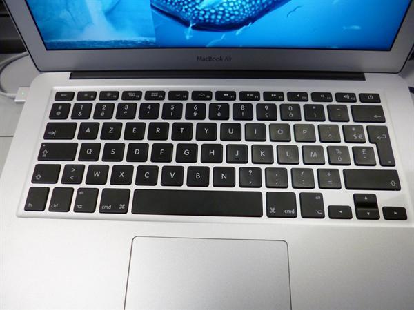 Un clavier-a keyboard