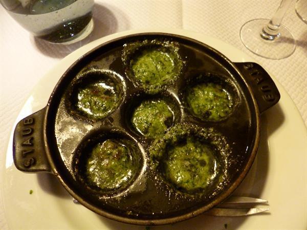Snails for dinner! Miam,miam!
