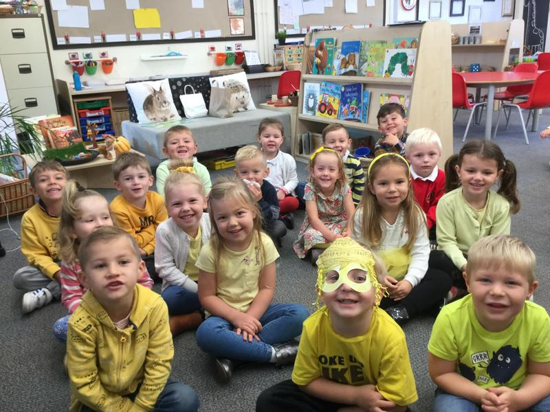 Mrs Simms Class Smiling for Hello Yellow!