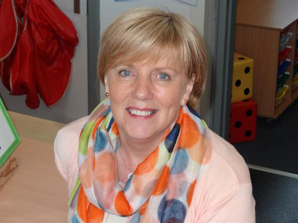 Mrs Pamela Thompson