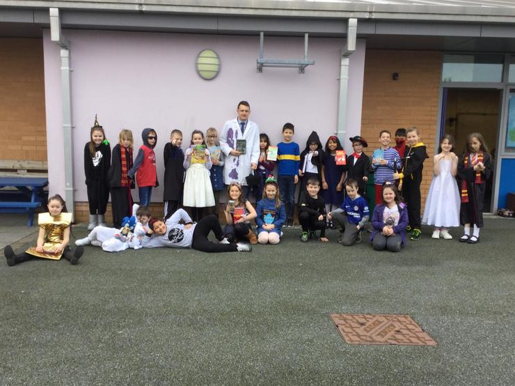4L pupils who dressed up for WBD 2020!
