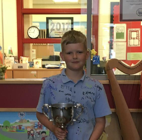 Zachary - outstanding contribution to school.