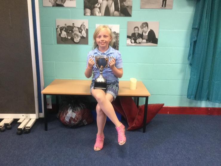 Gwaith da Connie - Amazing academic achievement