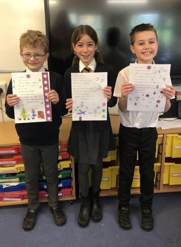 Year 4 share their pen pal letters