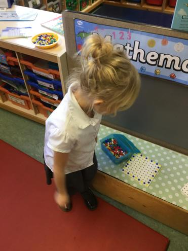 I am making a repeating pattern with pegs.