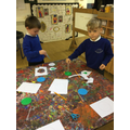 Making planet Earth with paint and pipettes