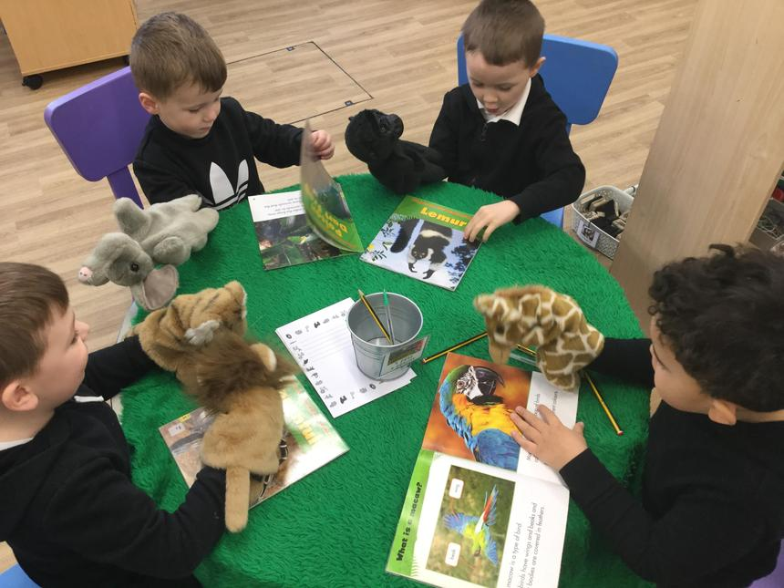 We found out about animals that live in jungles from books and talked to our puppets.