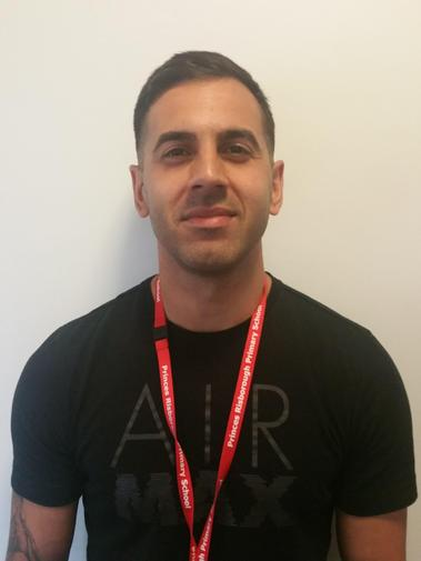 Mr Mendes - Site Manager
