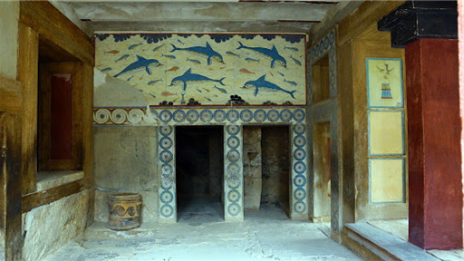 Why would the Minoans decorate with images of dolphins?