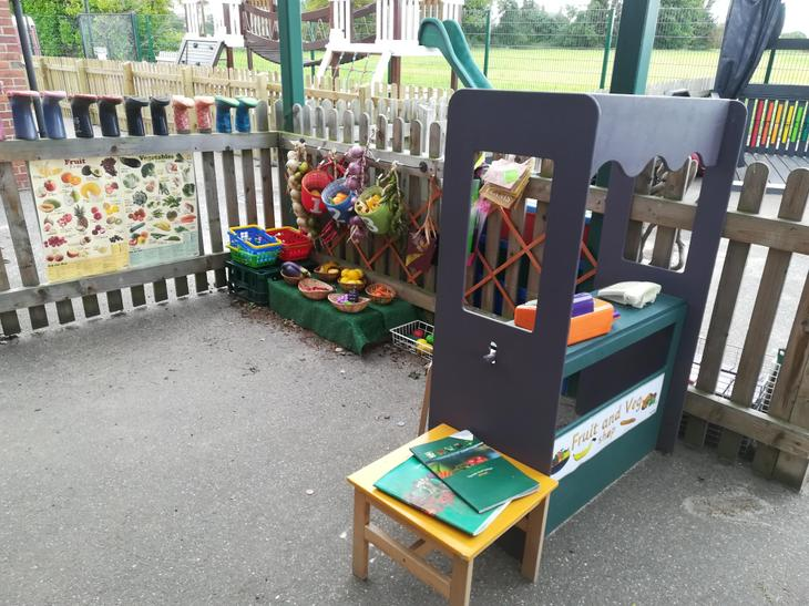 Fruit and vegetable role-play shop