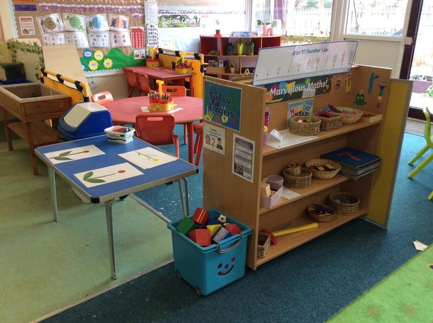 Marvellous Maths shelves & funky Fingers table