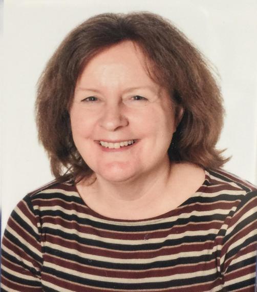 Mrs T Thomas ( HLTA )