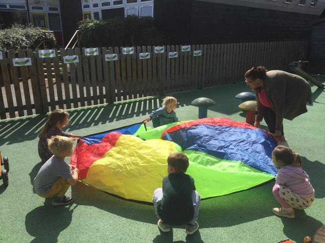 Parachute fun !