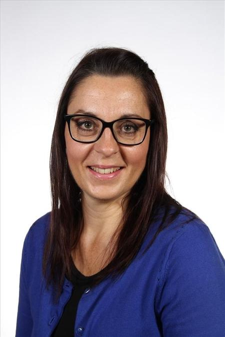 Rachel Reynolds Manager
