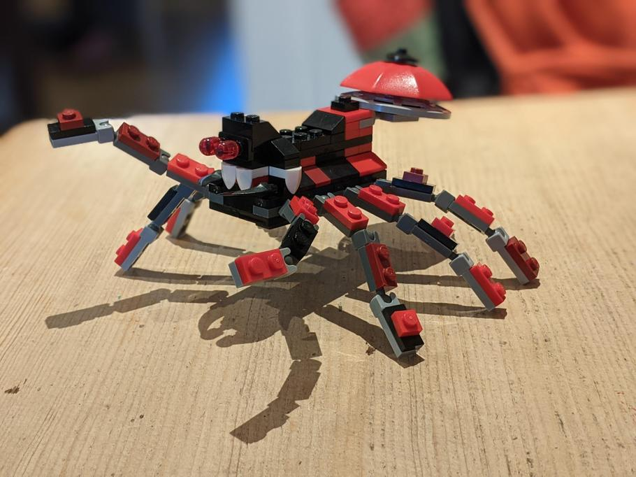 Jasper - lego spider