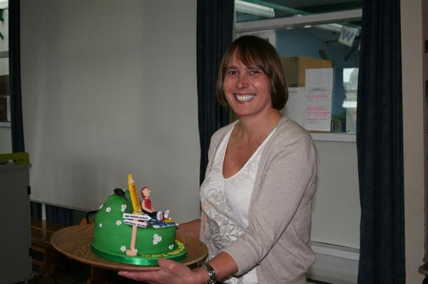 Mrs Phillips and her cake