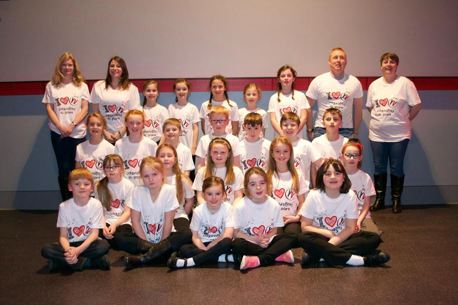 Dinner had, T-shirts on - we are ready to perform!