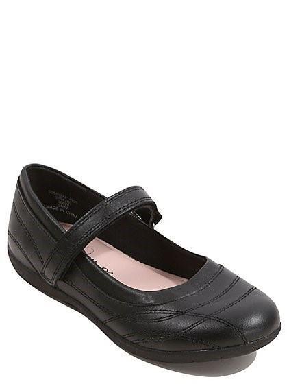 Black shoes (flat - no heels)