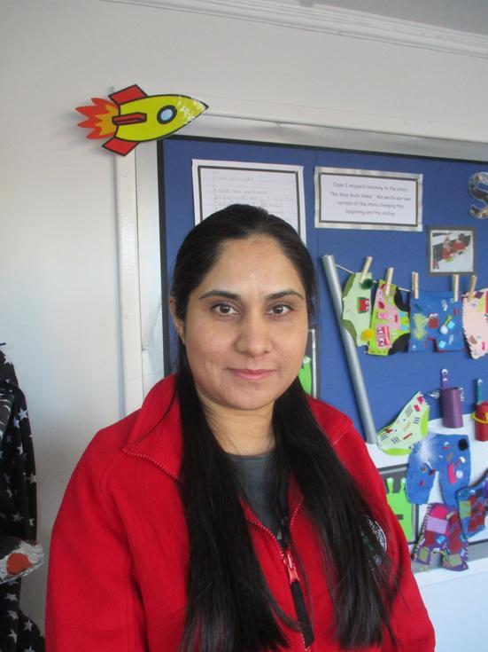 Mrs R Khan - Teaching Assistant