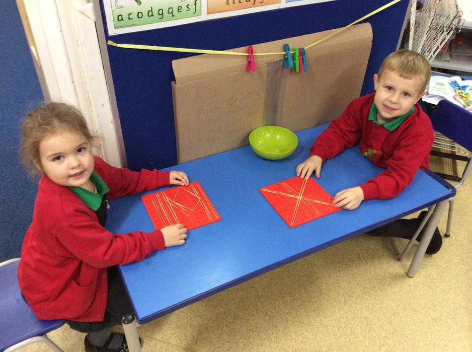 We made our own star patterns using the geo boards and elastic bands!