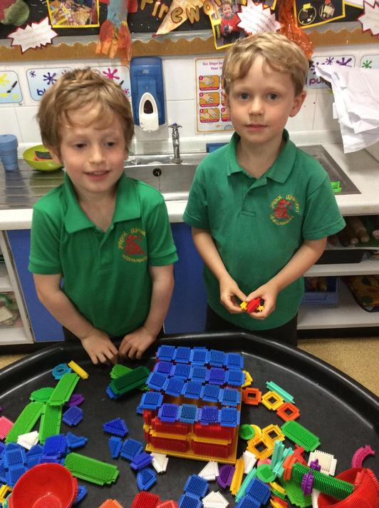 We had a go at making castles with a construction of our choice.
