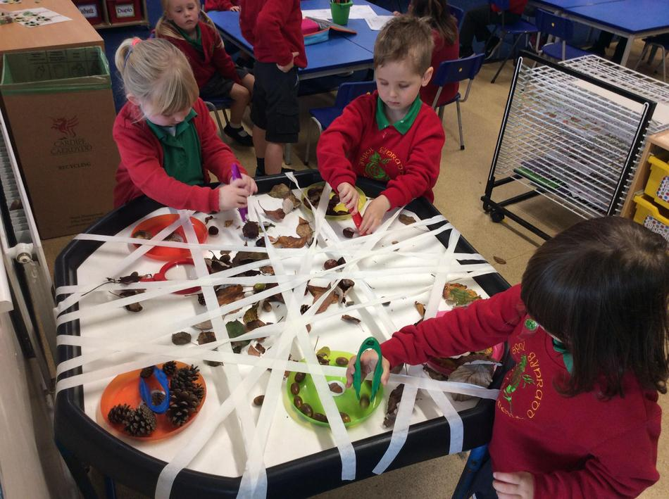 Autumn table sorting