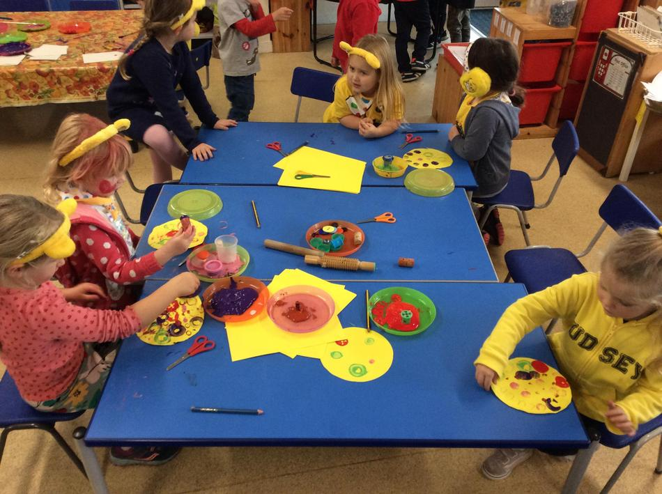 We explored circles like Pudsey's bandage! We found lots of circles in R3!